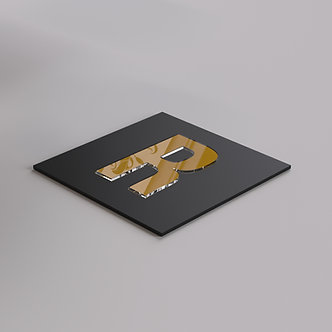 Буквы из золотого зеркального оргстекла