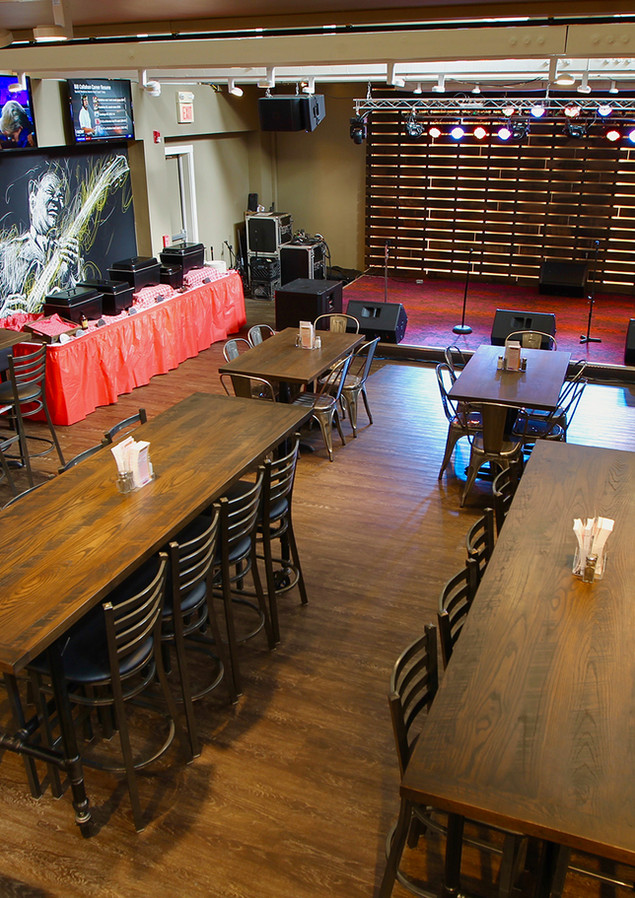 Tables + Stage - Dante's