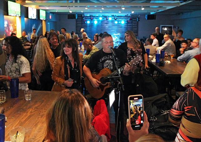 Musician in Crowd - Dante's