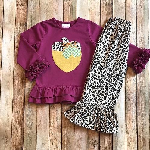 Acorn Set w/ruffle leopard pants