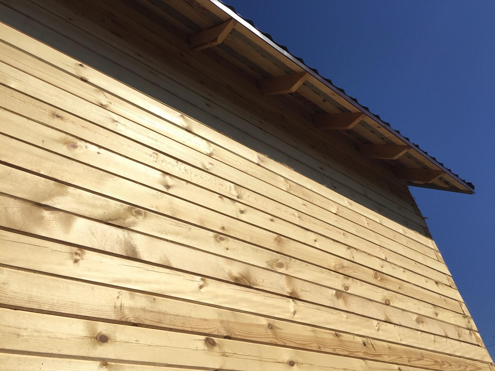 стена дома строганного бруса 150х150