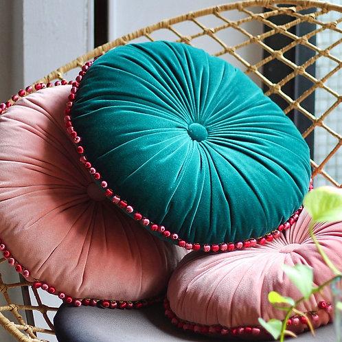 MULA DECO|繽紛球球花邊手工圓形抱枕 Ø30cm (寶綠)