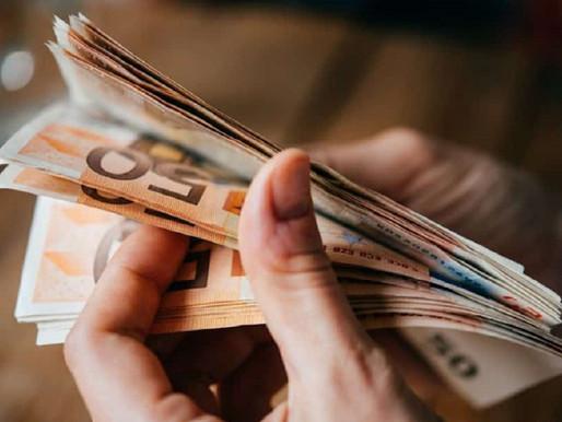 Αυτές είναι οι τρεις φάσεις πληρωμής για τα 800 ευρώ- Δείτε πότε θα πληρωθείτε