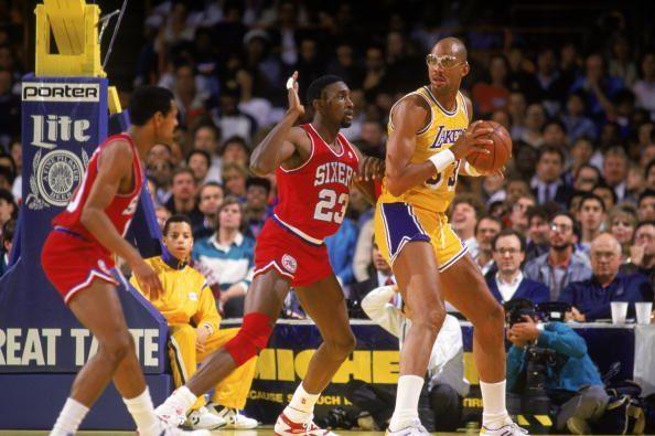Kareem_Abdul_Jabbar_Los_Angeles_Lakers_NBA_Around_the_Game
