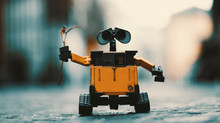¿LOS ROBOTS NOS VAN A DEJAR SIN TRABAJO? 5 MITOS DERRIBADOS SOBRE LA AUTOMATIZACIÓN