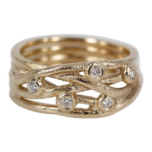 14 kt. Guld ring med brillanter