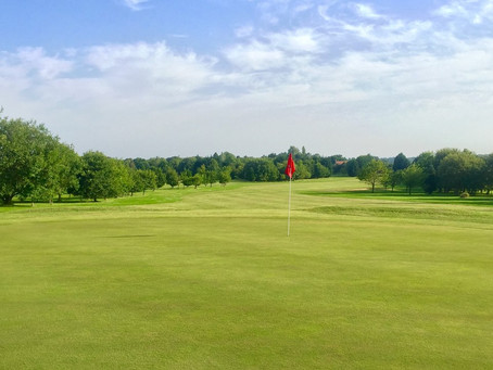 Golf Courses Near London