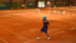 Terrains de tennis intérieur de l'Académie Pau Pyrénées