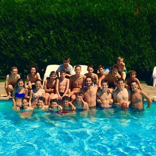 Photo de groupe à la piscine de l'Académie Pau Pyrénées