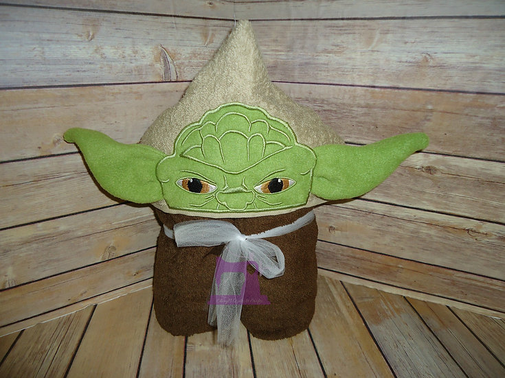 Star Wars Yoda 3D Hooded Towel