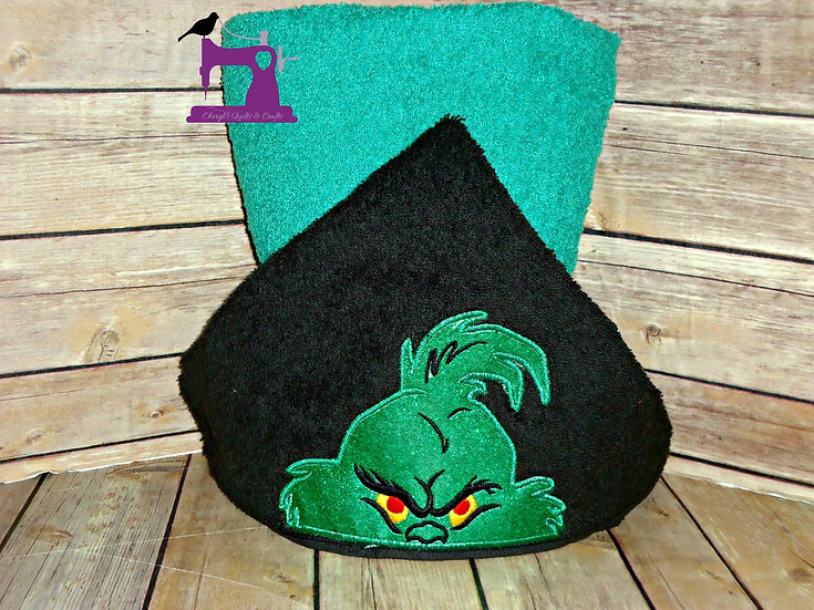 The Grinch Hooded Towel