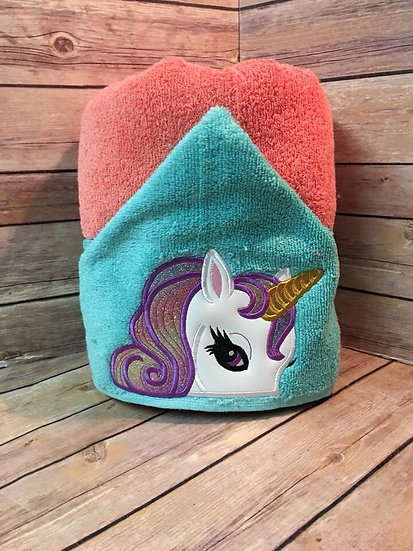 Pretty Unicorn hooded towel