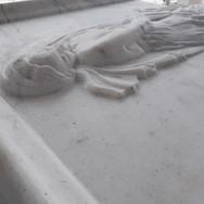Beyaz Mermer Heykel