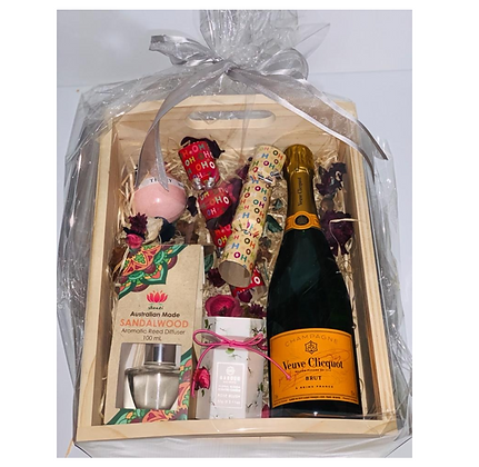 Veuve Cliquot Yellow Label Brut Gift Hamper