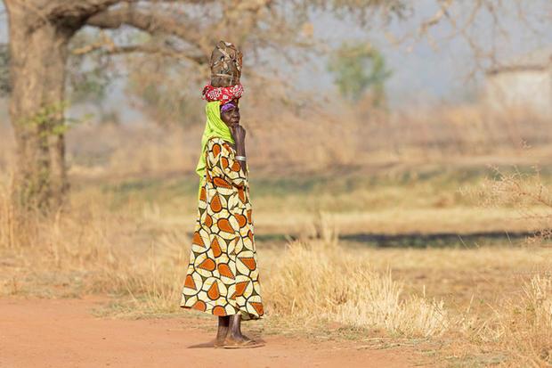 _A5A1705 Woman in Rice fields.jpg