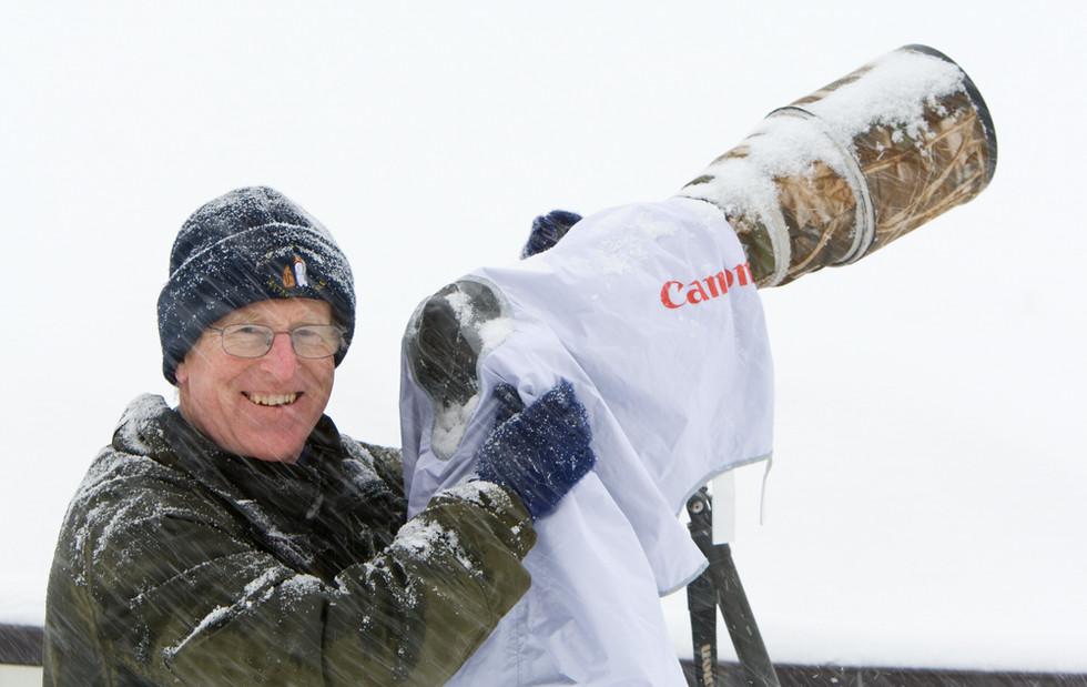 _93C2339 Dickie in falling snow at Akan