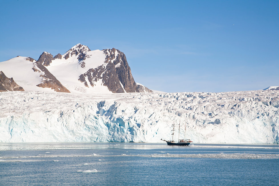 _MG_7516 Sailing ship & Glacier.jpg