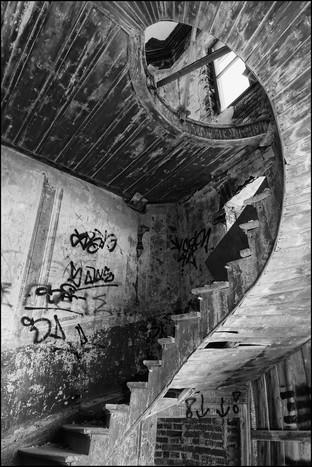 H/C Broken staircase by Caroline Ovens