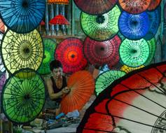 Lantern worker