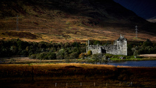 Kilchurn by Derrick Holliday