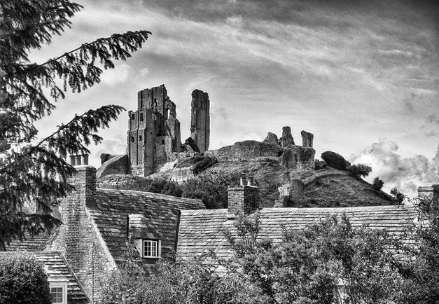 Corfe Castle by Caroline Ovens
