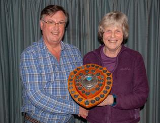 Mo Martin receiving Chairman's Shield