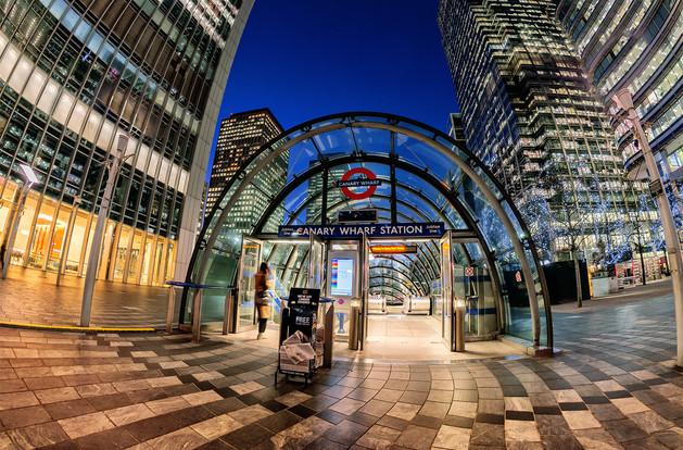Canary Wharf by Ian Bateman