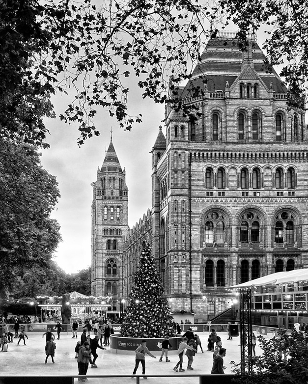 Iceskating, London by Caroline Ovens