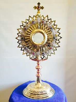 Monstrance with Silver plated wreath