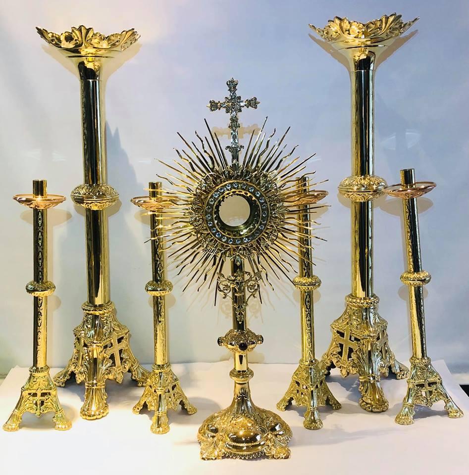 Church monstrance & candlesticks