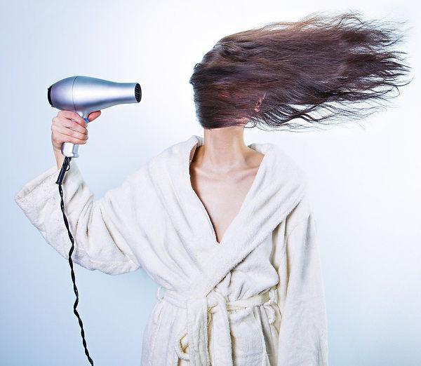 Hiusten kuivaaminen.jpg