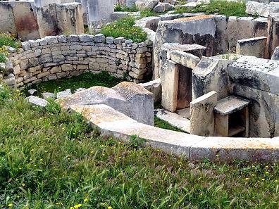 tarxien-temple-2676157_1920.jpg