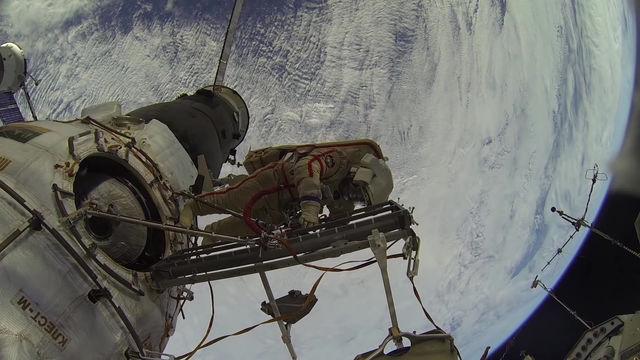МКС: ремонтные работы в открытом космосе