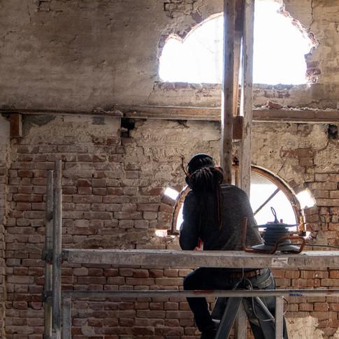 Verwijderen ramen boerenschuur