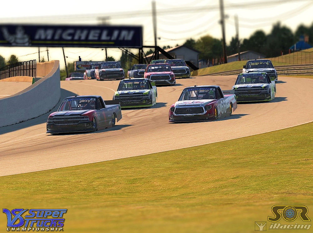 Leaders diving into Turn 1 at CTMP