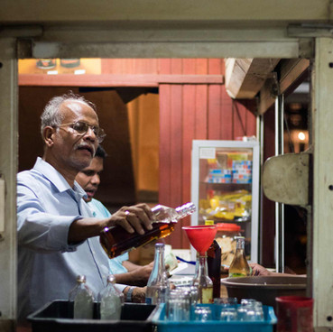 Colombo's Dodgy Bars - CONDE NAST TRAVELER