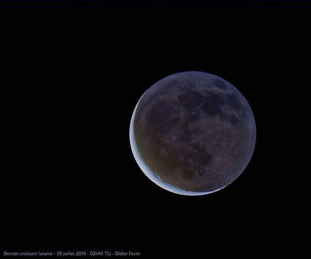 Dernier croissant lunaire ce matin aux a