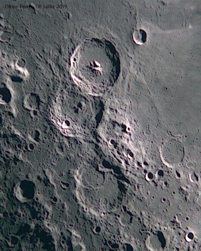 Les célèbres cratères Théophile,  Cyrill