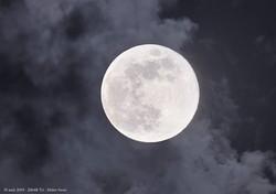 Une quasi pleine #Lune depuis Bretigny s