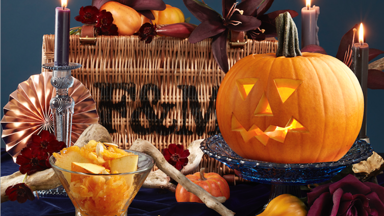 To celebrate halloween, Fortnum & Mason are putting on pumpkin carving classes