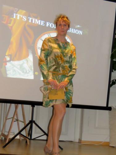 Seiden Kleid Modeevent Münsinge