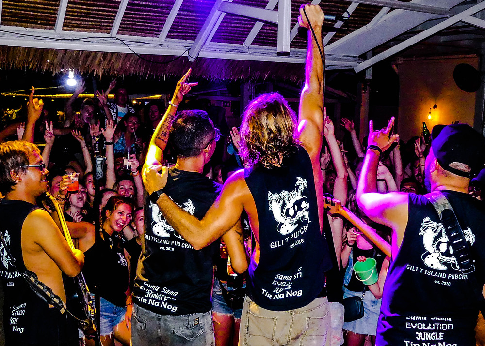 No one covers a Western hit song quite like an Indonesian band! Live music can be found every night on Gili T.