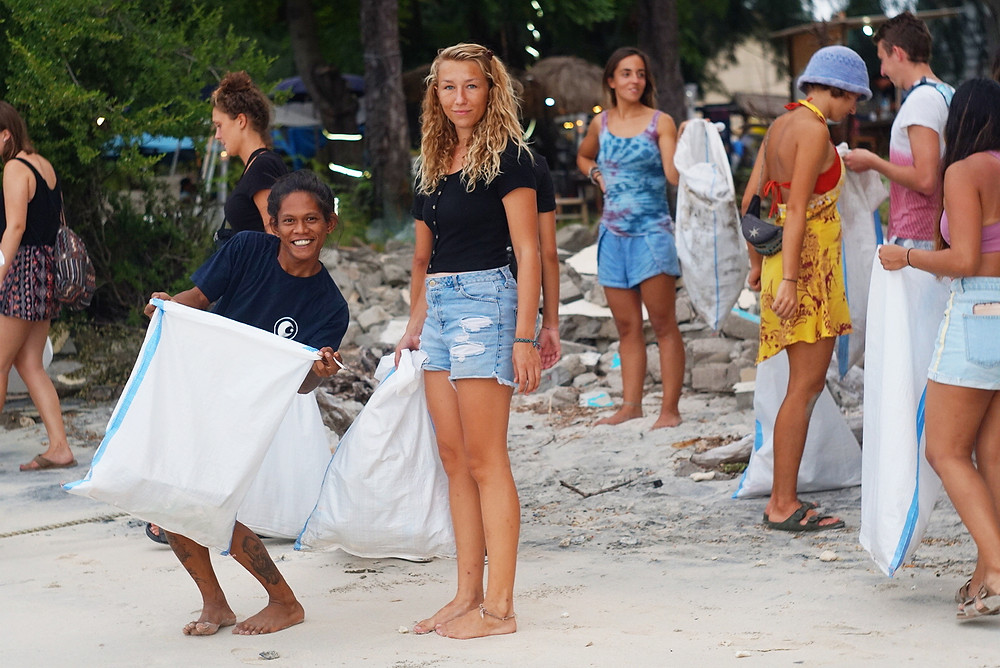 Leave the island better than the way you found it when you participate in a weekly Gili T beach clean up.