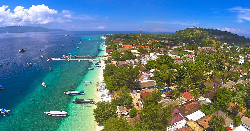 Gili Trawangan resorts and dive sites from above