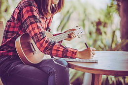 I don't read notes!  Can I learn to play the ukulele?