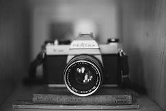 camera-349943_1920_edited.jpg
