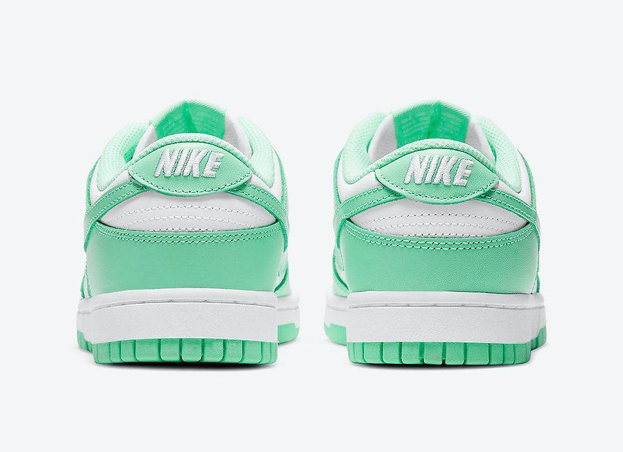 Green Glow dunk low.jpeg