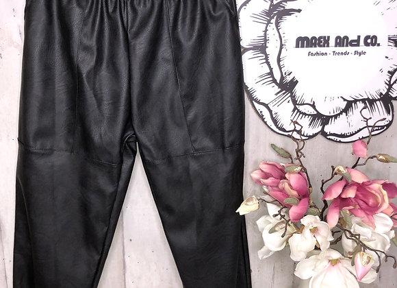 Kunstlederhose schwarz mit Nähte