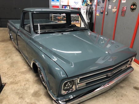 67'-72' AMHRG C10 FRONT WINDSHIELD
