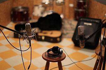 アコースティックギター 録音スタジオ 配信 ノイズ ミックスマスタリング DAW 音質 リマスター